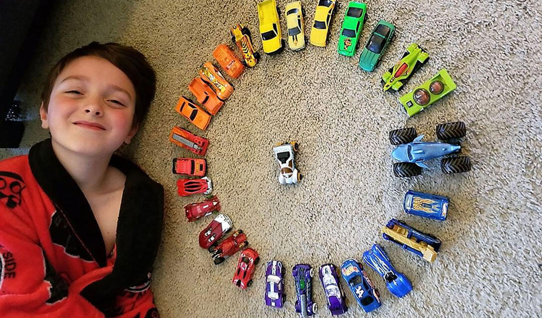 Toy cars in a circle