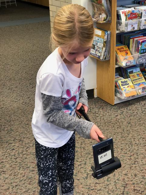 girl using device to search for images