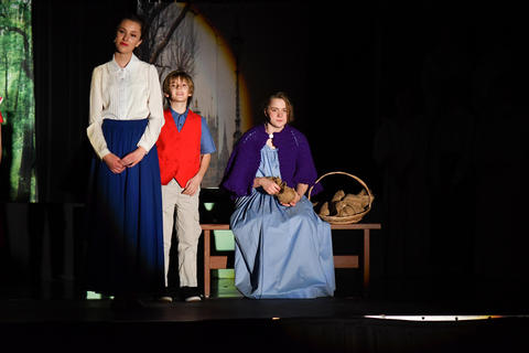 Mary Poppins, Banks son and lady in the park