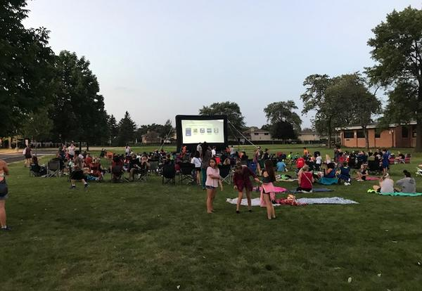picture of movie screen on lawn