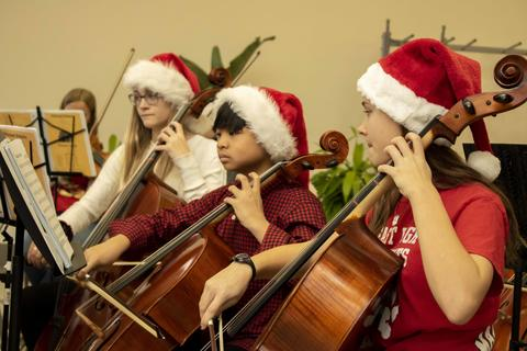 Holiday Music 2019 - Photo #5