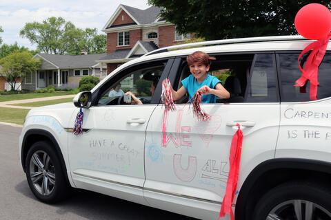 Carpenter School parade - Photo #4