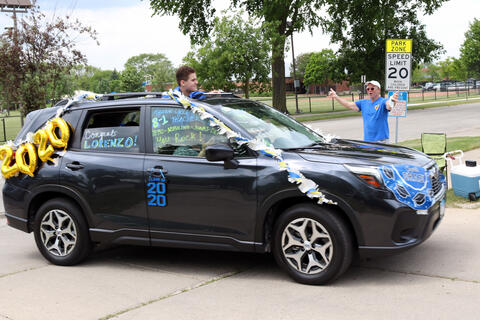 Lincoln Middle School parade - Photo #3