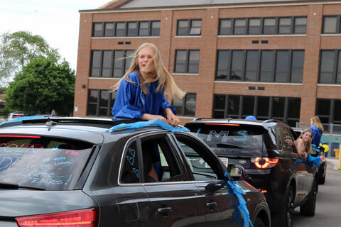 Lincoln Middle School parade - Photo #5