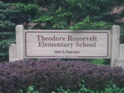 Roosevelt Elementary School Sign