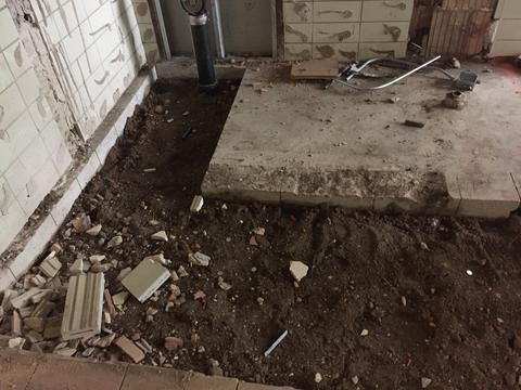 Floor digging