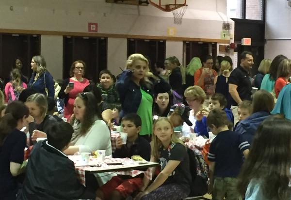 Franklin PTA Hosts Muffins with Moms