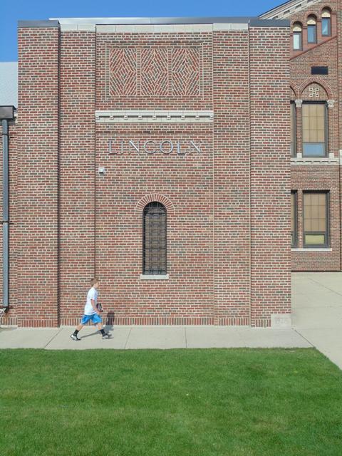 Lincoln Architecture 35