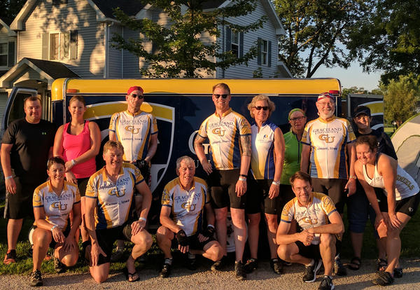 Graceland's 2017 RAGBRAI cycling team members