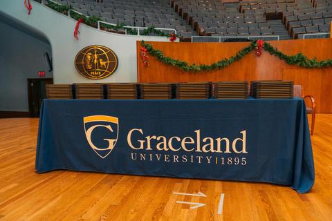 Graceland Nursing 2017 (2)-0977