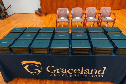 Graceland Nursing 2017 (2)-0979