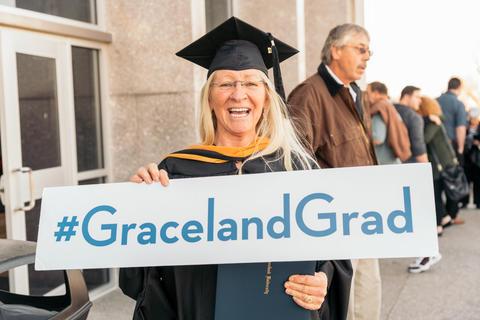 Graceland Nursing 2017 (2)-0789