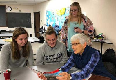 Volunteers Wanted for New Southern Iowa RSVP Program - Literacy Leaders