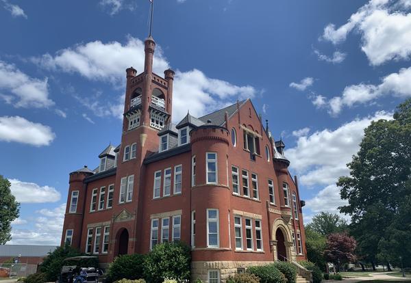 The Higdon Administration Building at Graceland University