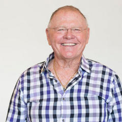 Graceland Legend Jerry Hampton Receives Lifetime Presidential Volunteer Service Award