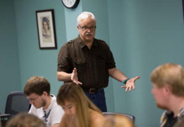 Professor Gary Heisserer teaching a class