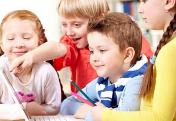 8 Pros and Cons of Integrating Technology in the Classroom