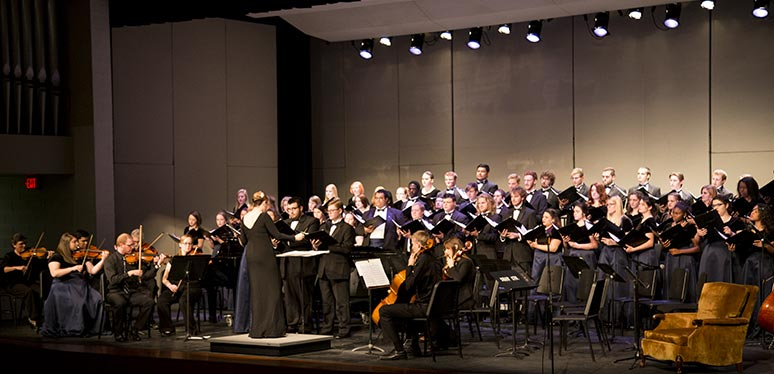 Chorale concert with orchestra conducted by Sara Blessing