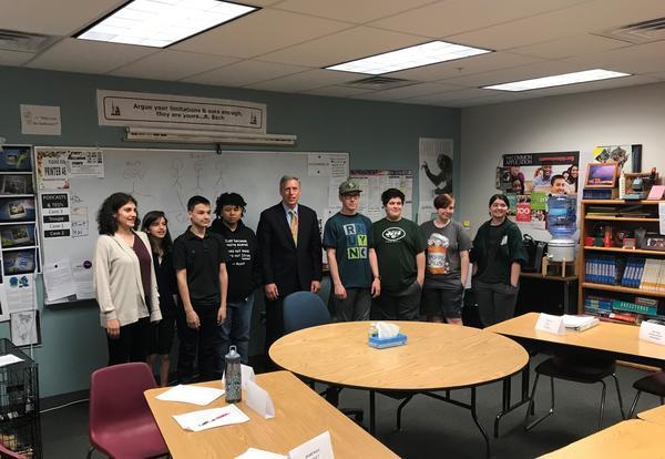 Assemblyman Peterson visits HPS