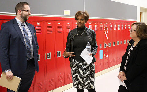 State Rep. Lilly speaks with Dr. Wade and Dr. Porreca.