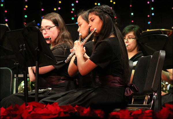 EPHS Band Members Say Goodbye to 2017 with Festive Winter Concert