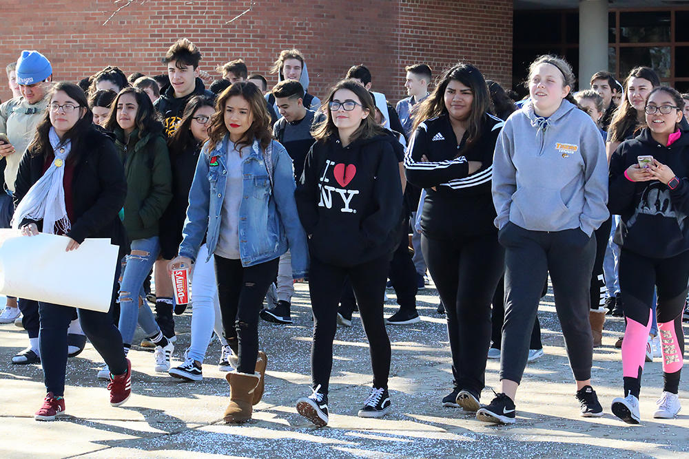 EPHS students participate in the National School Walkout to honor the recent Florida school shooting victims and condemn gun violence.