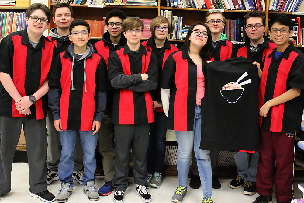 Elm Scholastic Bowl team members pose for a group shot.