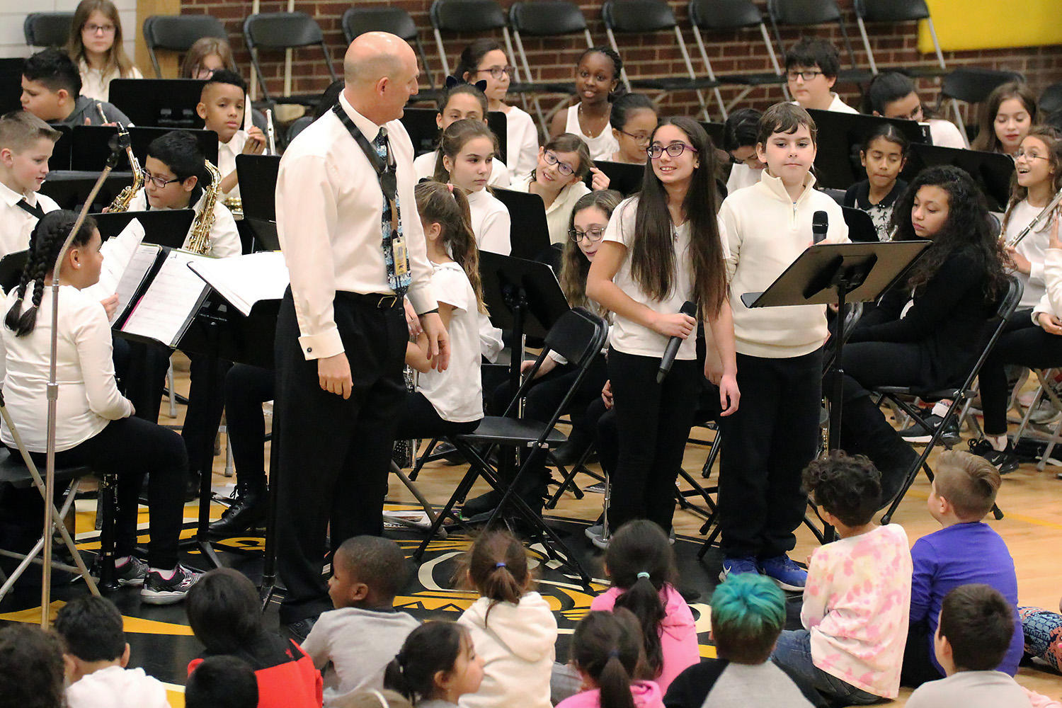 "Elmwood Band members narrate ""The Night Before Christmas"" at the school's 2018 Winter Concert."