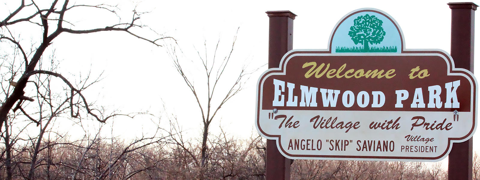 "Photo of ""Welcome to Elmwood Park"" sign"