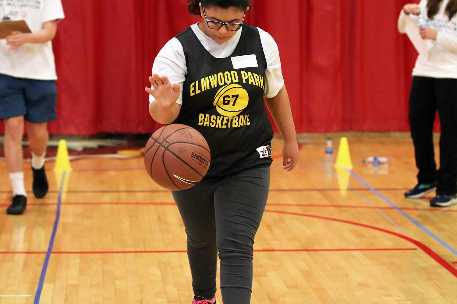 Ari from EPHS competes in the Special Olympics Illinois basketball skills event.