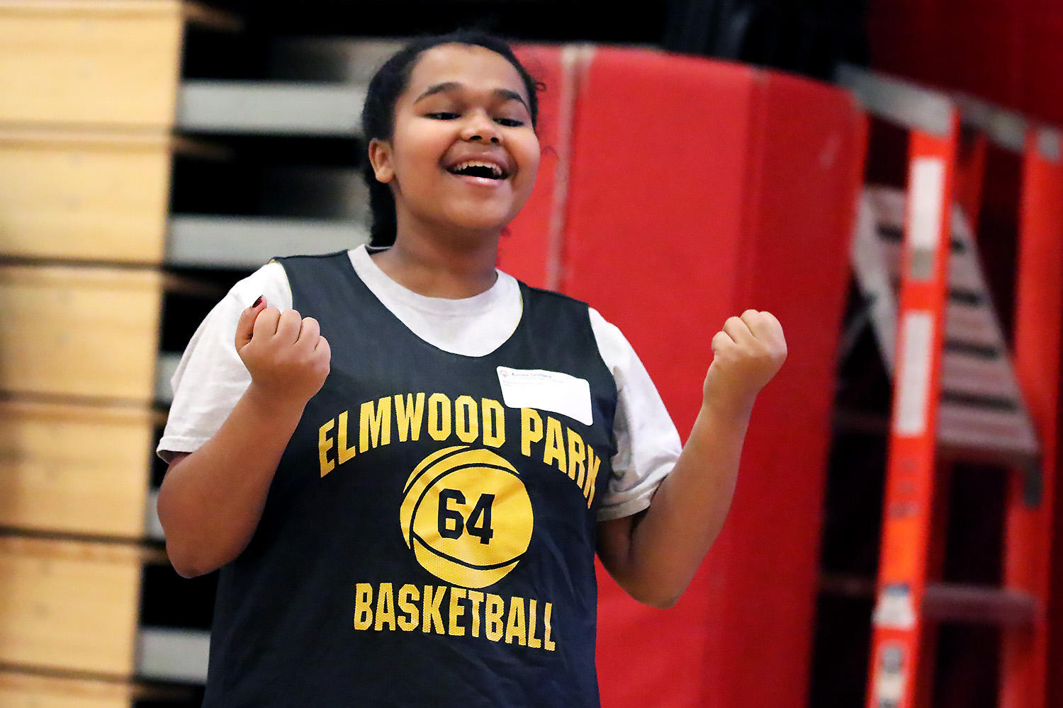 Aurora from EPHS competes in the Special Olympics Illinois basketball skills event.