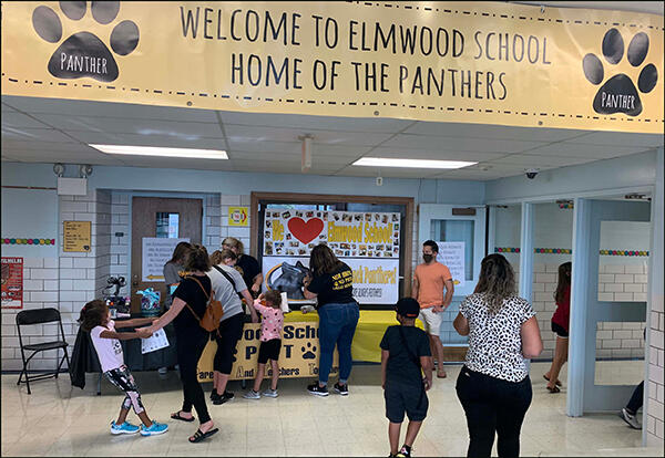 Open House Draws Families Eager to Meet Faculty, Visit Classrooms