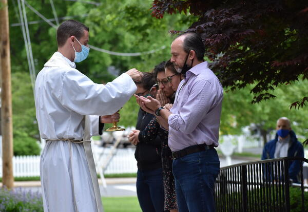 Public Distribution of the Eucharist Returns to St. James