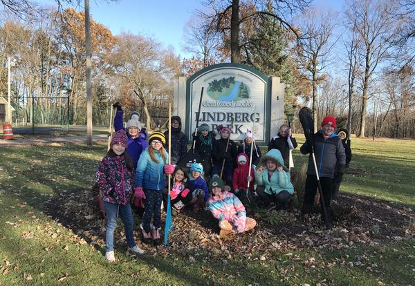 Janssen Students Raked Leaves at Lindberg Park