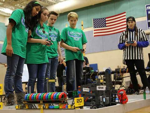Foothills robotics with girls and boys copy