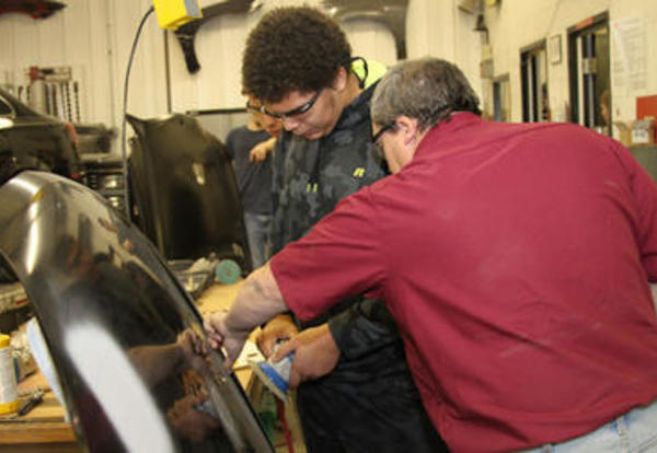 CCC-Columbus Campus Gets Dirty During Annual Tech Days Event