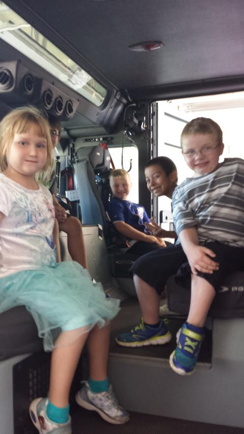 First Grade Classes visit Silvis Fire Department