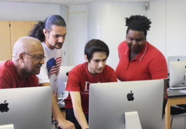 Mac Lab Enhances Information Systems Program at Donnelly College