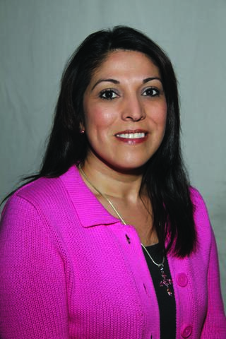 Headshot photo of Delia Hernandez