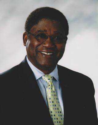 Headshot photo of Lonnie Scott