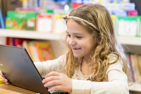 Oakwood first graders using Google Classroom February 16 2017-3