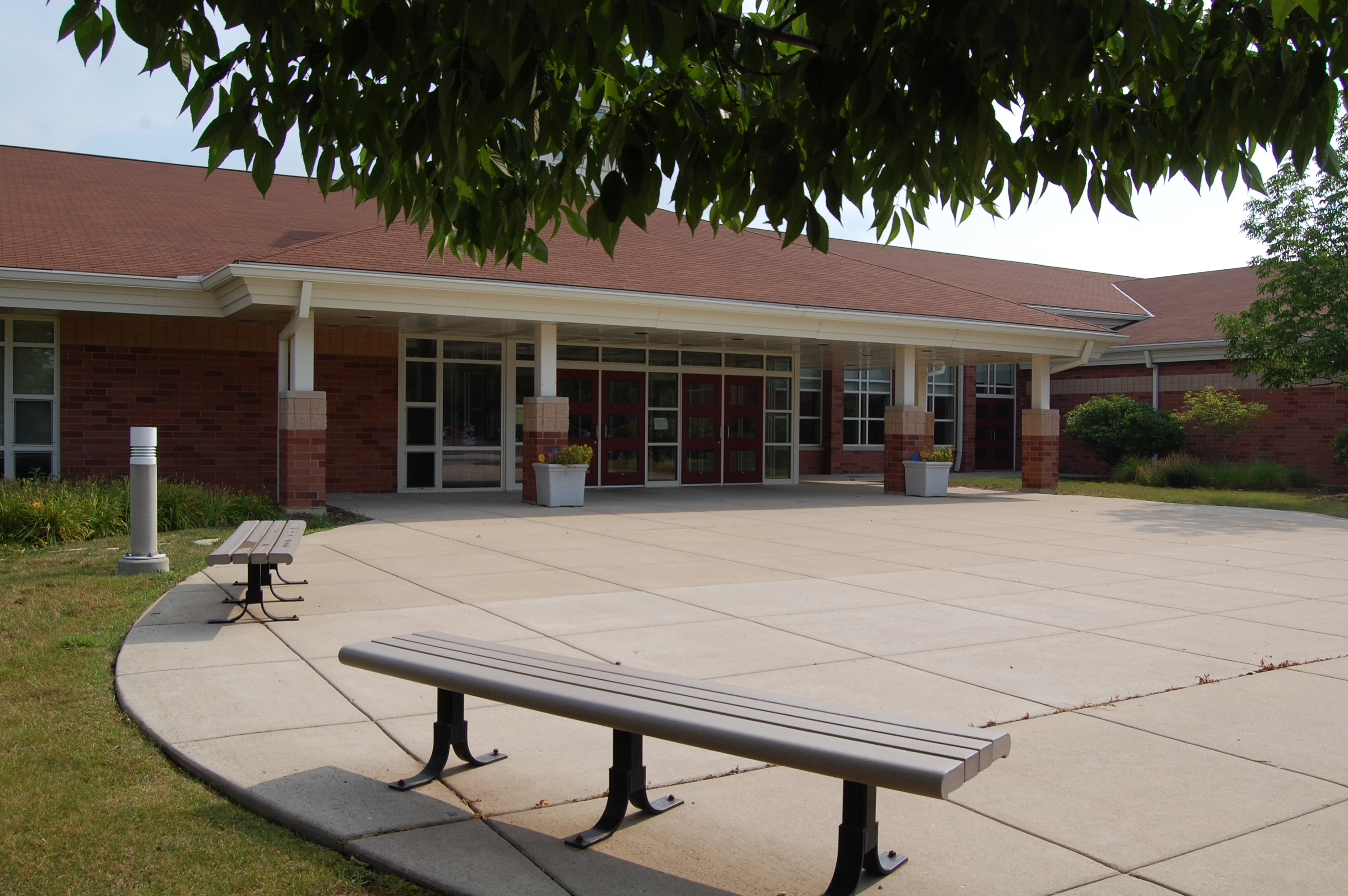 Country Meadows Elementary Front