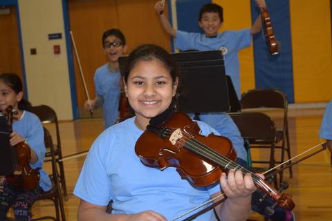 Prairie School Celebrates Blue 06