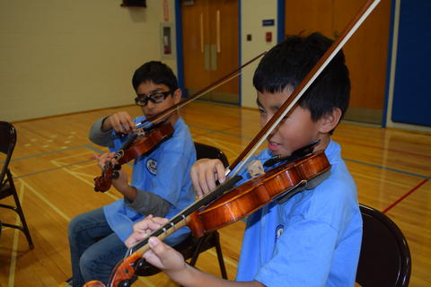 Prairie School Celebrates Blue 08