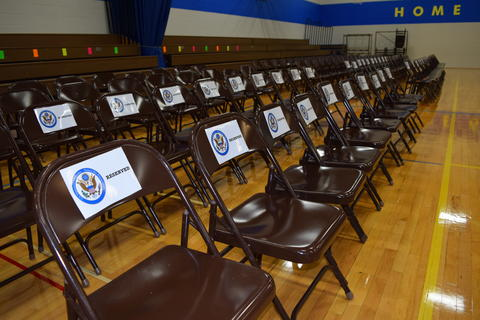 Prairie School Celebrates Blue 01
