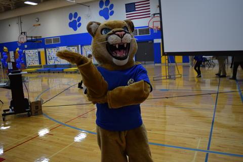 Prairie School Celebrates Blue 18