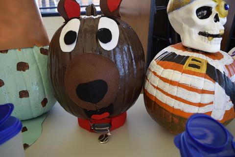 Pumpkin decorated like surprised bear