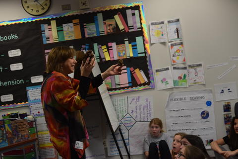 Welcomes Author Barb Rosenstock image for DSC 0045