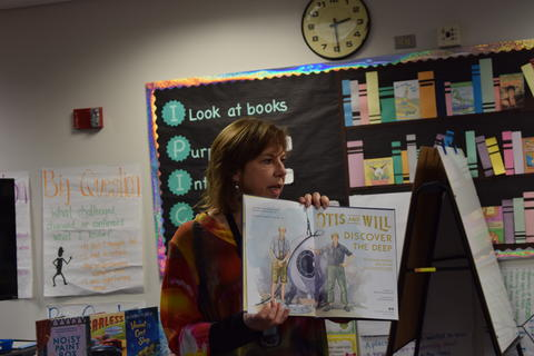 Welcomes Author Barb Rosenstock image for DSC 0077
