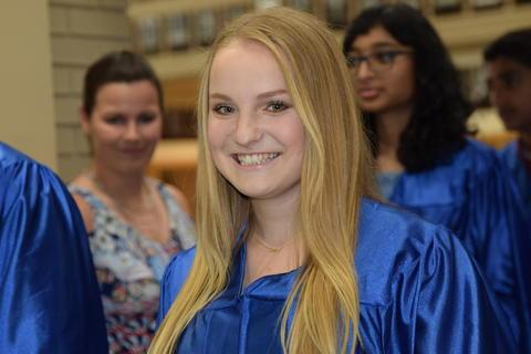 Twin Groves Graduation Class of 2018 0075